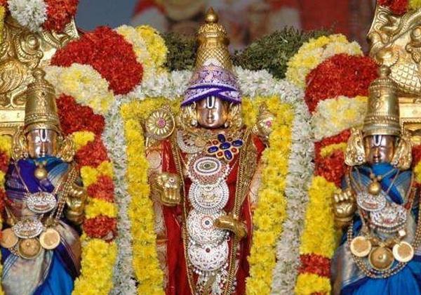 Vishwapati Srivari Darshan Book As A Reference Book-Srivari Univercity Telugu NRI News Updates