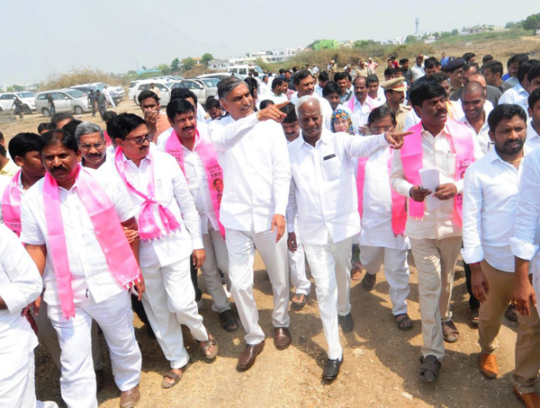 Who Is The Backbone Of TRS Party-Harish Rao Kalvakuntla Kavitha Kcr Ktr Trs Party