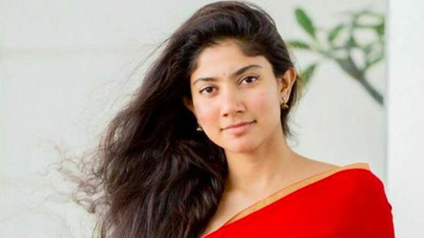 Sai Pallavi Returns Her Remuneration For Padi Lache Manasu-Sai Sharwanand Next Movie Viral About