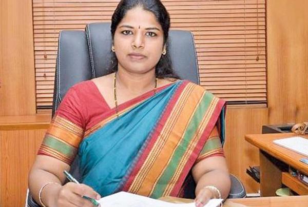 Tirunelveli Collector Puts Daughter In Anganwadi  Not Private School-IAS Officer Shilpa Prabhakar Satish Tamil Nadu