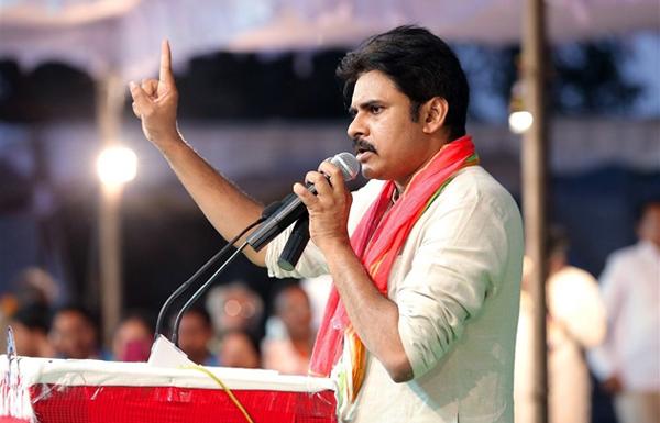 YS Jagan And Pawan Kalyan In Between KCR-Chandrababu Naidu Elections Ap Janasena Party Kcr Pawan Janasena Tdp Trs Ycp Ys