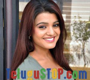 Tashu kaushik Actress Profile & Biography