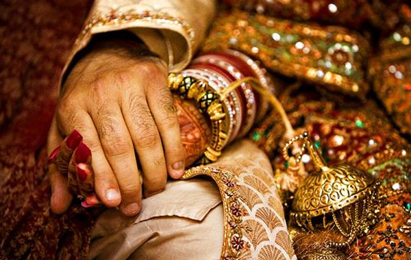 Another Man Marries After Bridegroom Escape-Bride Groom Escape Ramesh Siddipet Marriage Srinivas