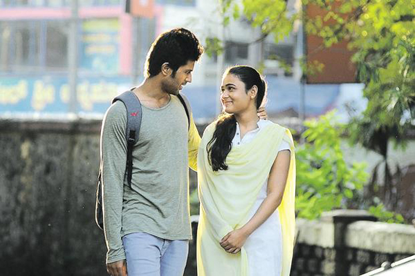 Jhanvi Kapoor In Tamil Arjun Reddy Movie-Jhanvi Tamil Movie Varma Vijay Devara Konda Next