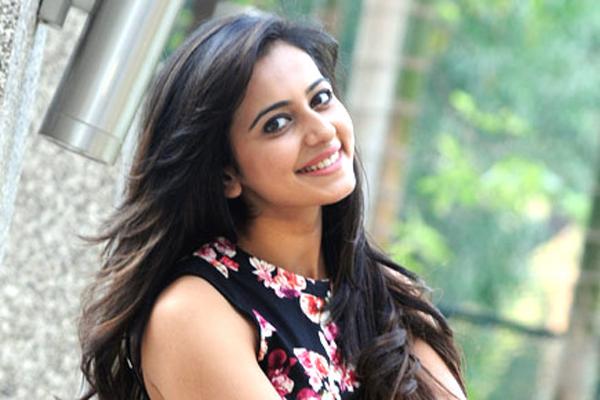 Tollywood Top Heroines Ages-Heroines Ages Kajal Rakul Preet Samantha Age Tollywood Trisha
