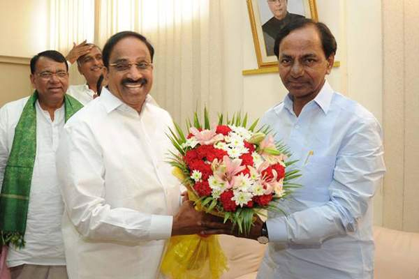 Tummala Nageswara Rao To Be Back In KCR Cabinet-Khammam District R And B Minister