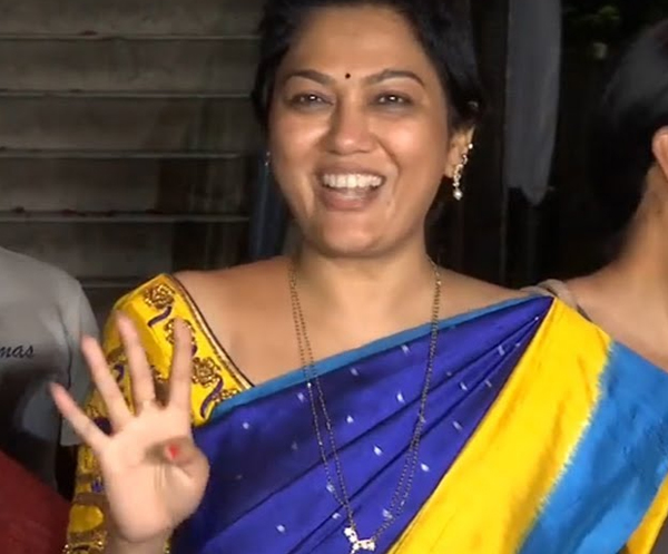 Actress Hema Gets Very Excited After Winning MAA Elections-Maa Elections 2019 Naresh Panel Shivaji Raja