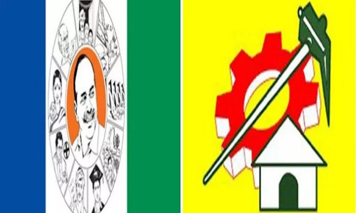 Ycp And Tdp Cadre Fight Each Other In Chandragiri--YCP And TDP Cadre Fight Each Other In Chandragiri-