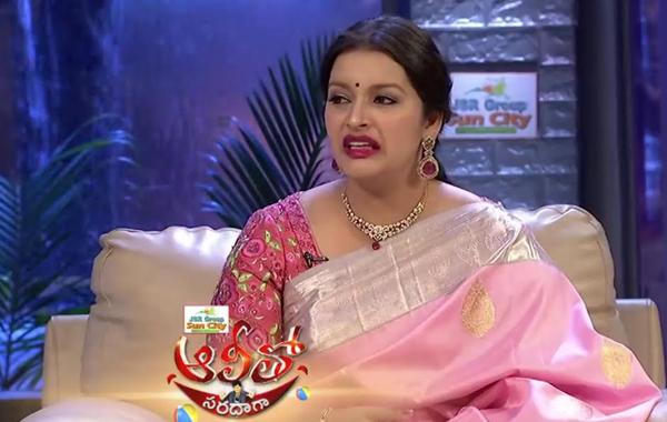 Renu Desai Sensation Comments At Ali Tho Saradaga Show-Pawan Kalyan Renu Sensation అలీ తో సరదాగా షో రేణు దేశాయ్
