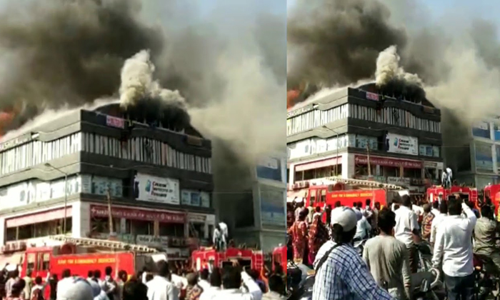 Fire Accident In Gujarat....21 Students Died--Fire Accident In Gujarat....21 Students Died-