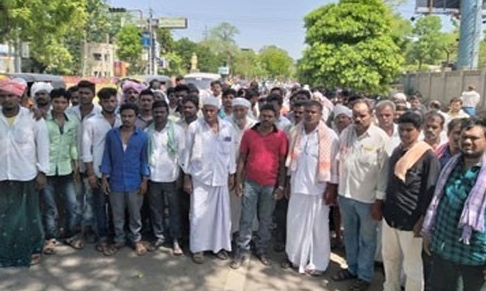 100 Tdp Party Families Fear On Ysrcp In Guntur Districts--100 TDP Party Families Fear On YSRCP In Guntur Districts-