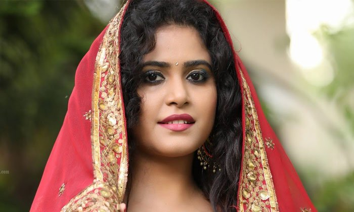 Nigerian Cyber Gang Trapped On Young Heroine Sonakshi Varma--Nigerian Cyber Gang Trapped On Young Heroine Sonakshi Varma-