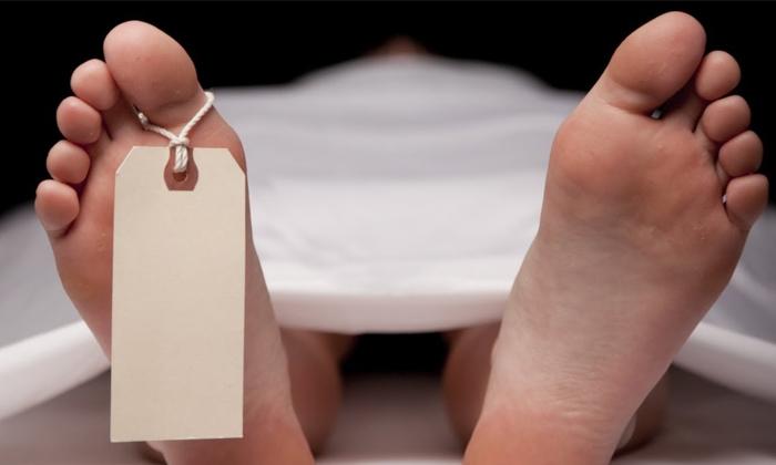Retired Inspector Daughter Dead Body Found In Room In Up Mirzapur--Retired Inspector Daughter Dead Body Found In Room Up Mirzapur-