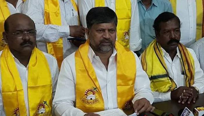 Telangana Tdp Party Leaders Jump Into Bjp Party--Telangana TDP Party Leaders Jump Into BJP Party-