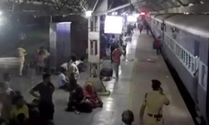 A Lady Comes Under Train Rail--A Lady Comes Under Train Rail-