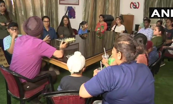 Dr J Pal Has Opened A Mobile Internet De Addiction Centre At A Hospital In Amritsar--Dr J Pal Has Opened A Mobile Internet De Addiction Centre At Hospital In Amritsar-