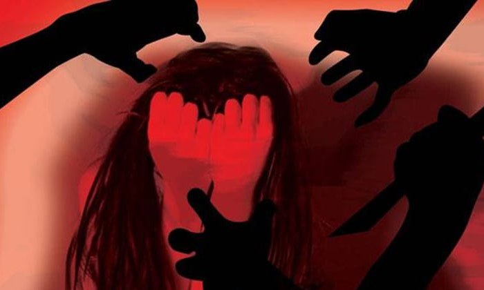 Lover And His Friends Raped On Girl Friend In Kakinada Three Town--Lover And His Friends Raped On Girl Friend In Kakinada Three Town-