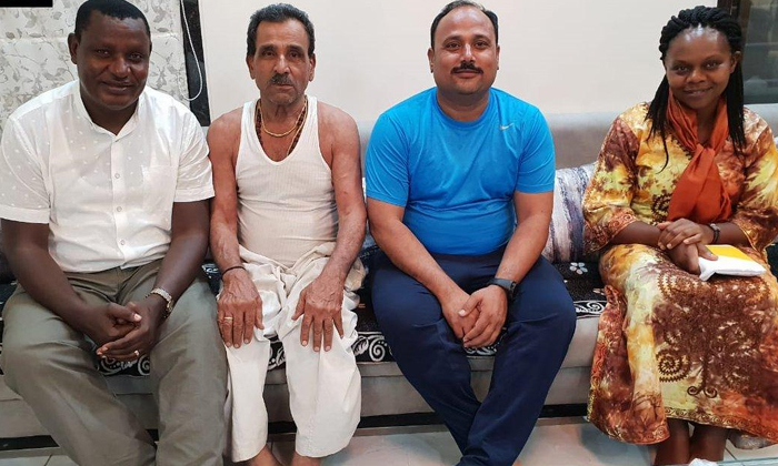 Kenya Mp Paid Amount Indian Shopkeeper After 22 Years--Kenya Mp Paid Amount Indian Shopkeeper After 22 Years-