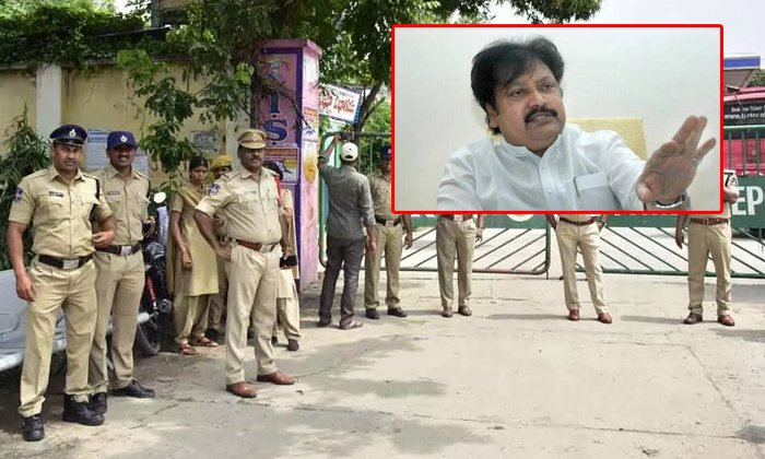 Ap Police Comments On Varla Ramaiah-telugudesham Leader Varla Ramaiah Comments On Ap Police,varla Ramaiah,ycp In Ap-AP Police Comments On Varla Ramaiah-Telugudesham Leader Ramaiah Ap Varla Ycp In