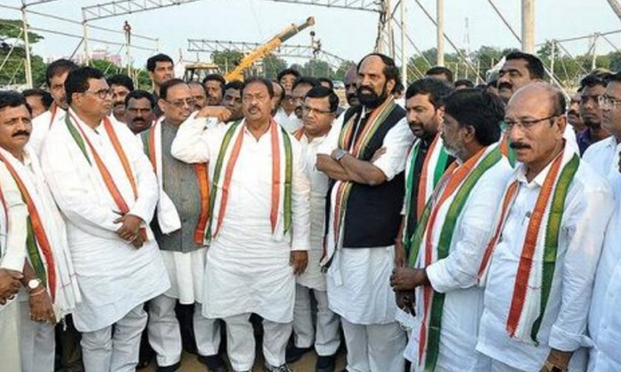 So Many Changes In Telangana Congress Leaders-congress Leaders,telangana Pcc Uttam Kumar Reddy And Komati Reddy Venkat Reddy-So Many Changes In Telangana COngress Leaders-Congress Leaders Pcc Uttam Kumar Reddy And Komati Venkat
