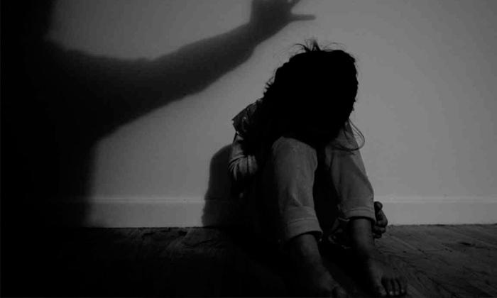 Five Years Old Girl Abused In Tamilnadu-friends Attack And Raped In Five Years Old Girl,karthi And Murgan,tamilandu Isssue,tamilnadu-Five Years Old Girl Abused In Tamilnadu-Friends Attack And Raped Karthi Murgan Tamilandu Isssue Tamilnadu