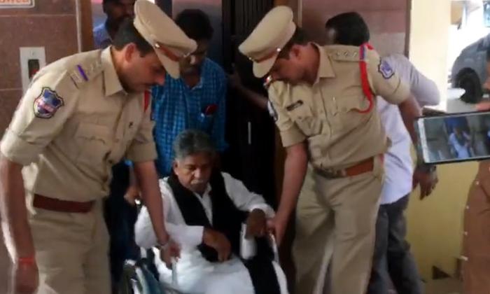 Telangana Police Arrests Manda Krishna Madiga- Telugu Political Breaking News - Andhra Pradesh,Telangana Partys Coverage Telangana Police Arrests Manda Krishna Madiga--Telangana Police Arrests Manda Krishna Madiga-