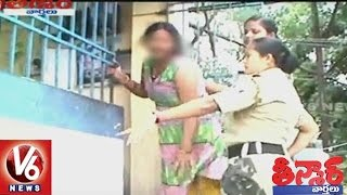 Drunken Girl Creates Fracas On Streets Of West Bengal | Attack On Cops