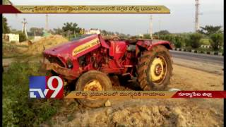 3 severely injures as private travels bus his tractor in Suryapet – TV9