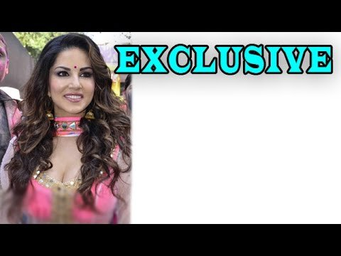 Sunny Leone at zoOm Holi party | EXCLUSIVE